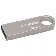 USB флэш-накопитель Kingston DataTraveler SE9 32GB